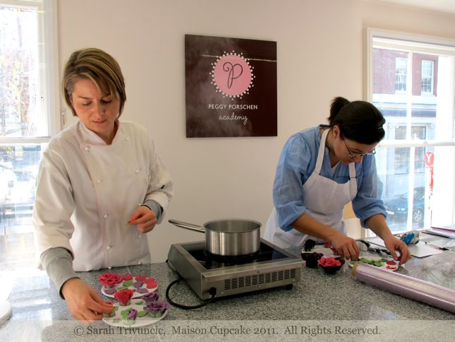 Peggy Porschen class March 2011 by Sarah Trivuncic Maison Cupcake