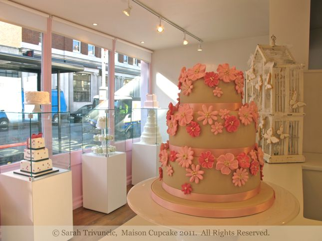 Peggy Porschen class March 2011 by Sarah Trivuncic Maison Cupcake