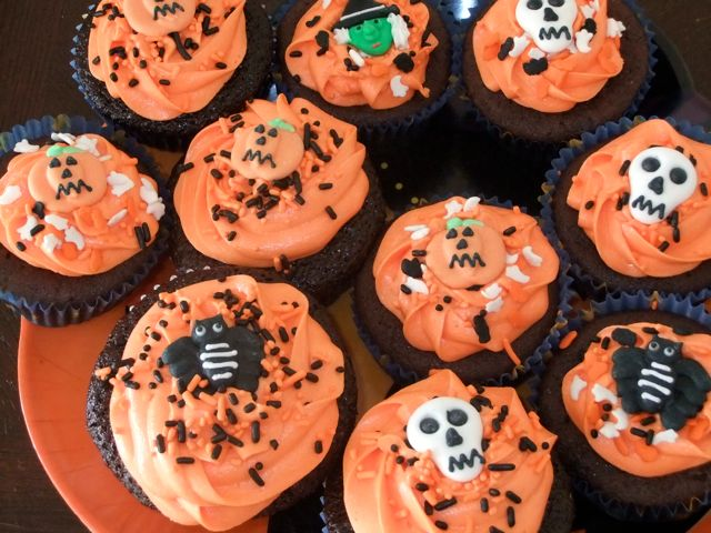 Orange Halloween cupcakes