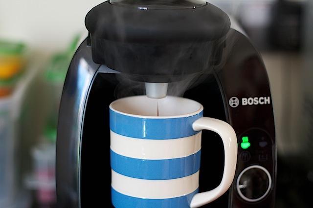 review bosch tassimo coffee machine maison cupcake. Black Bedroom Furniture Sets. Home Design Ideas