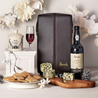 (CLOSED) Giveaway #54: Win a Harrods Port and Stilton Christmas hamper RRP £50