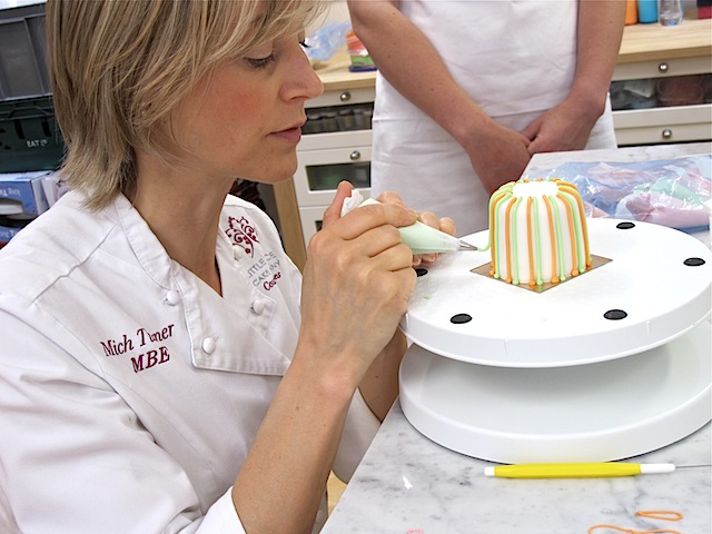 Mich-Turner-Little-Venice-Cake-Company-piping-candy-stripes