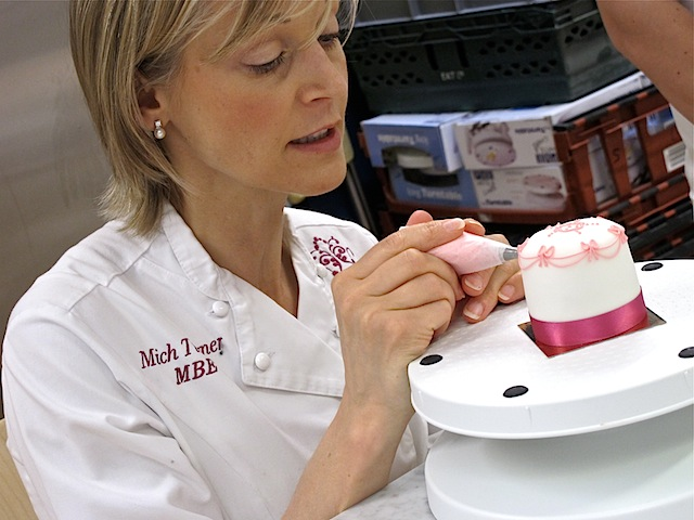 Mich-Turner-decorating-cakes-Little-Venice-Cake-Company