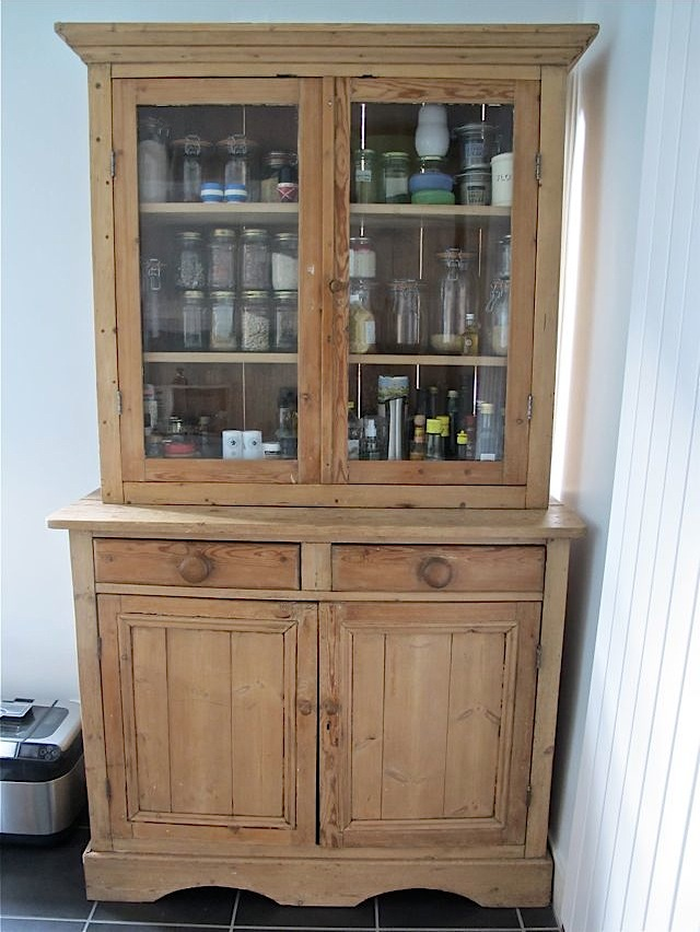 Wooden dresser 1