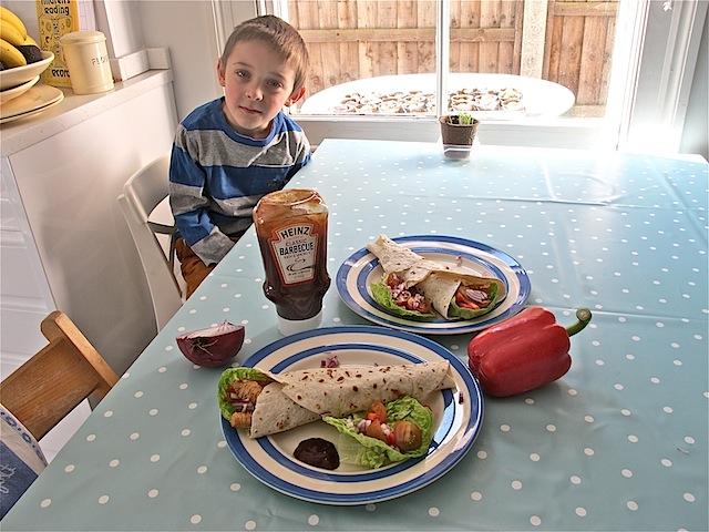 Turkey wraps Heinz barbecue sauce - 08