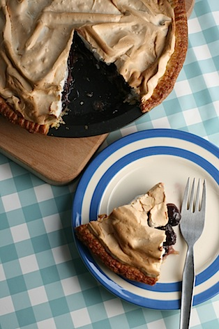 Cherry-meringue-pie - 12