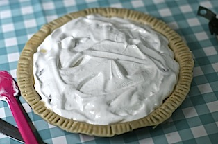 Cherry-meringue-pie - 06