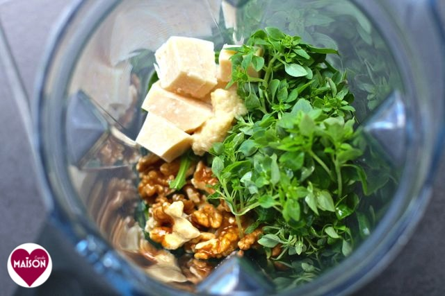 Vitamix Pesto recipe with rocket walnut and basil at MaisonCupcake.com #blenders #Vitamix #gadgets