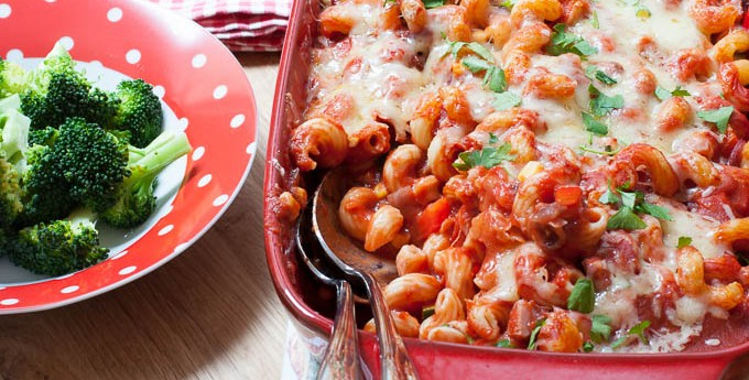 Family filling ham and vegetable pasta bake (with Go Compare)