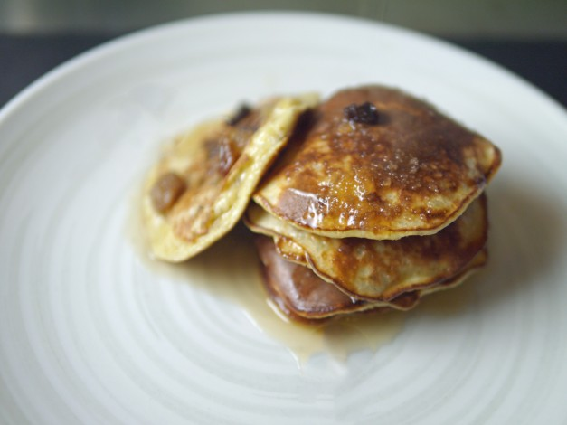 Rum-and-Raisin-3-ingredient-Banana-Pancakes_edited-1-627x470
