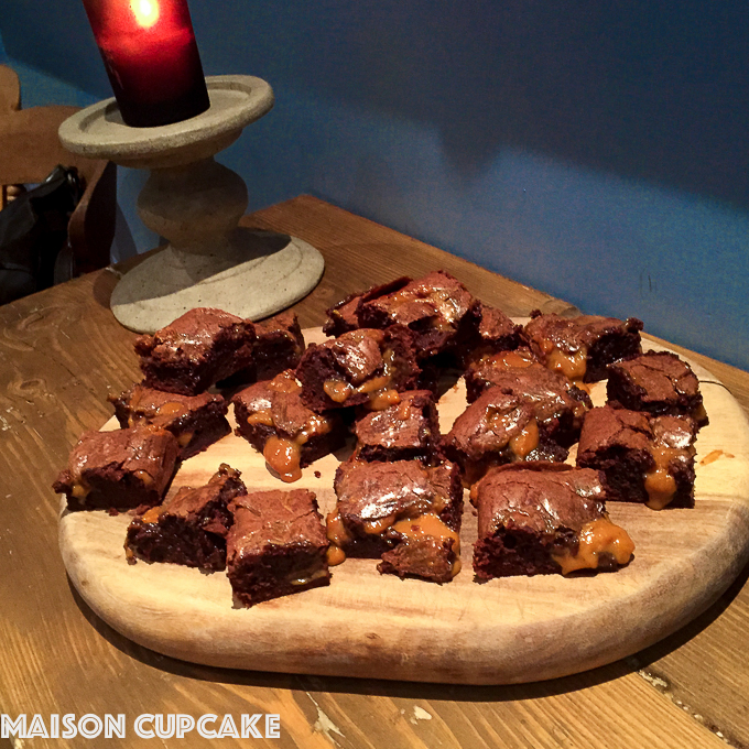 Dulce de leche brownies via @maisoncupcake at Maisoncupcake.com