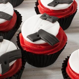 License to cake: Two ways to make James Bond party cupcakes