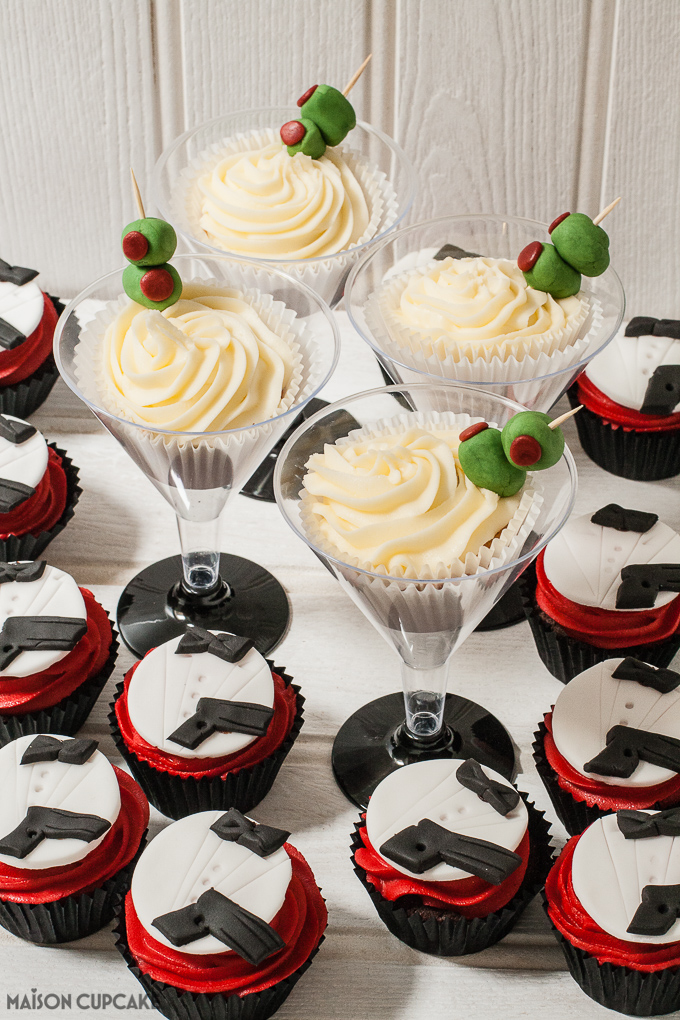 license to cake two ways to make james bond party cupcakes. Black Bedroom Furniture Sets. Home Design Ideas