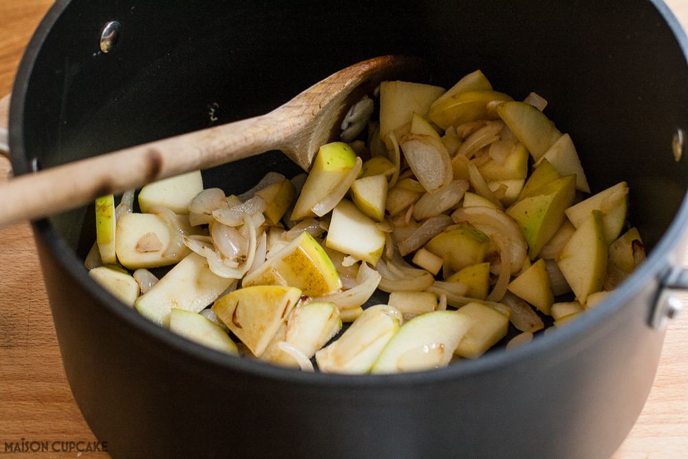 Apple and Soya Bean Soup step by steps