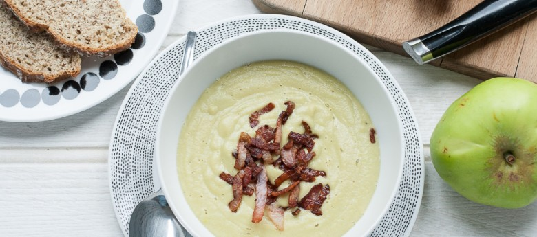 Easy Apple Soup with Soya Beans and Bacon