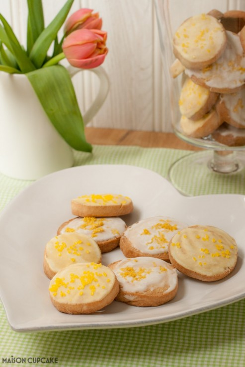 Lemon glazed cookies - slice and bake style - Maison Cupcake