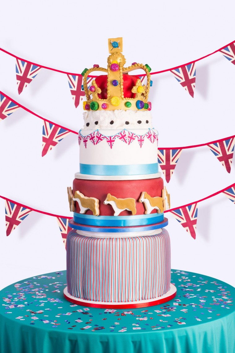am sending these Queen's Birthday Cupcakes to #BAKEoftheWEEK which ...
