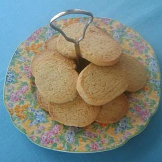 Recipe: oat & vanilla shortbread cookies