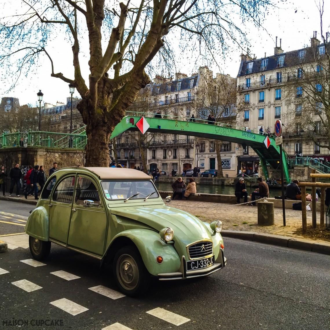2CV by Canal St Martin Paris