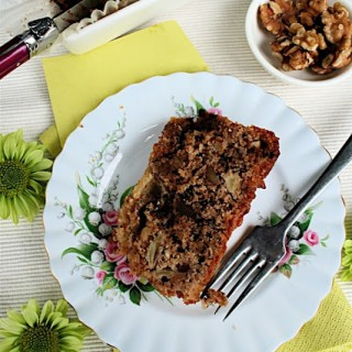 Recipe: choc chip nutty apple loaf