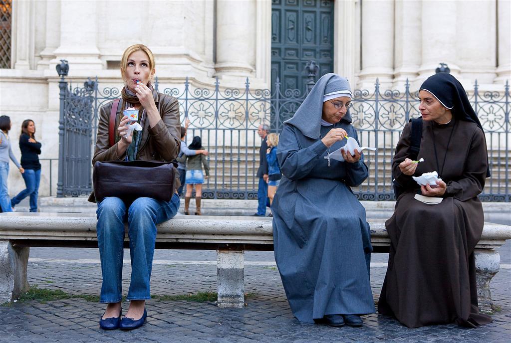 Eat Pray Love Julia Roberts eating ice cream with nuns