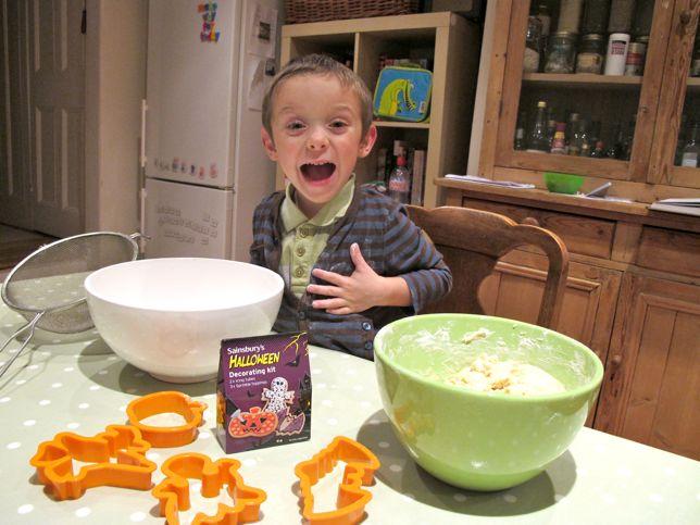 kids baking mixing bowls