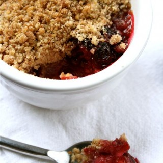 Recipe: mini apple and blackberry cinnamon crumbles