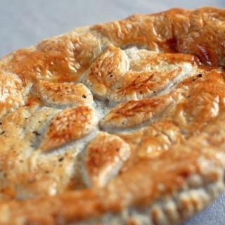 Recipe: sage and sausage pie with onion gravy