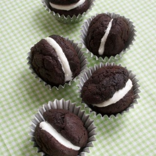 Recipe: chocolate whoopie pies, well nearly