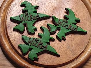 Recipe: Wicked witch iced cookies