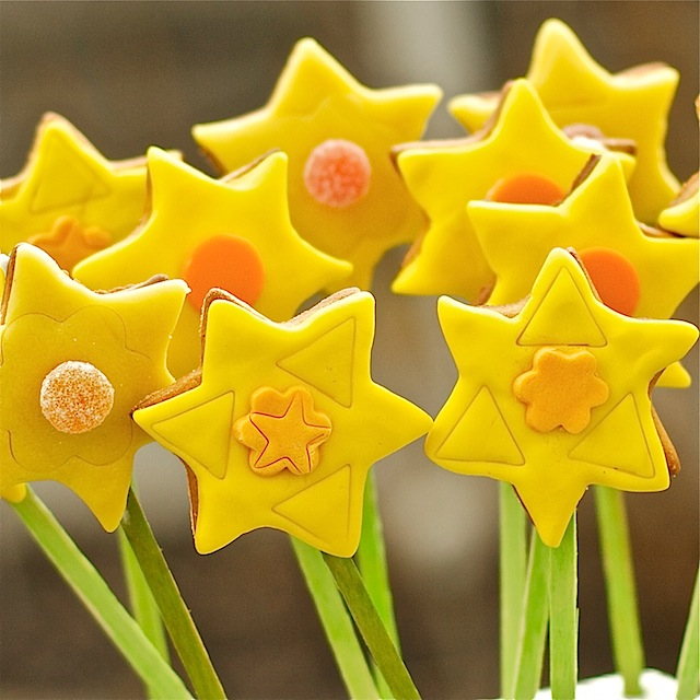 daffodil-cookie-pops-bouquet