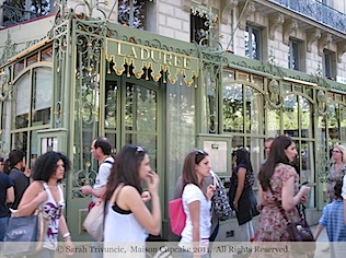Laduree-Paris-Champs-Elysees