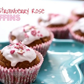 Recipe: strawberry muffins with rose icing