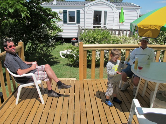 Mobile-home-deck