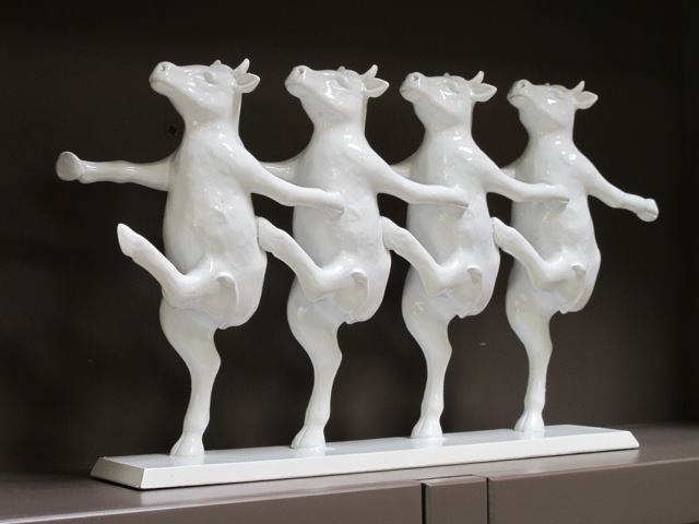 dancing-cows-ornament