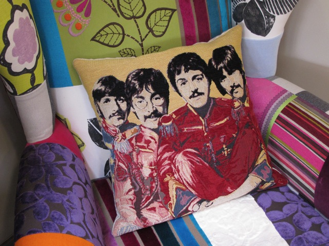 sergeant-pepper-cushion