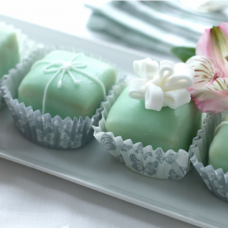 Perfect fondant fancies: top 10 tips for a professional finish