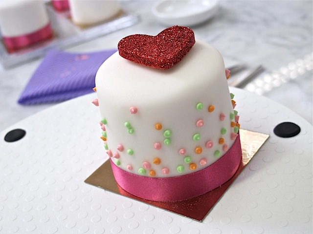 Mich-Turner-Little-Venice-Cake-Company-heart-cake