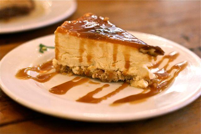 The-Real-Greek-caramel-pecan-cheesecake