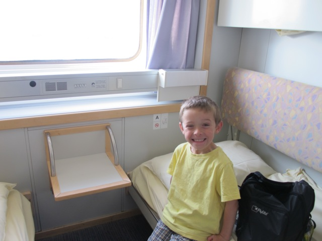 brittany-ferries-cabin