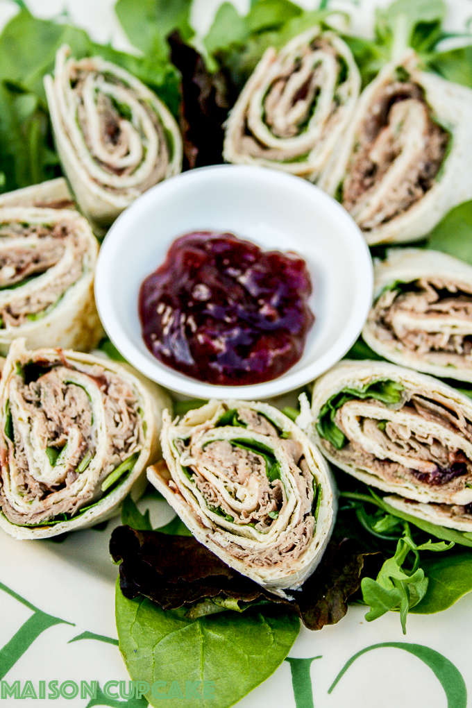 Roast beef wraps with cranberry relish and spinach for packed lunches or parties via @maisoncupcake at Maisoncupcake.com