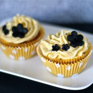 Lemon & Poppy Seed Cupcakes (UKTV Good Food)