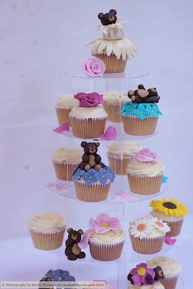 Squires Show 2012 baby cupcakes 4