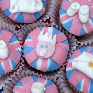 Step by baby step royal baby cupcakes