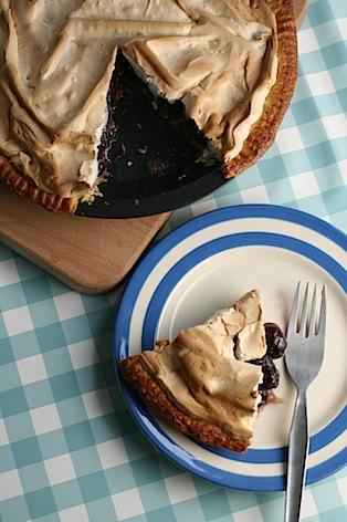 Cherry-meringue-pie - 12