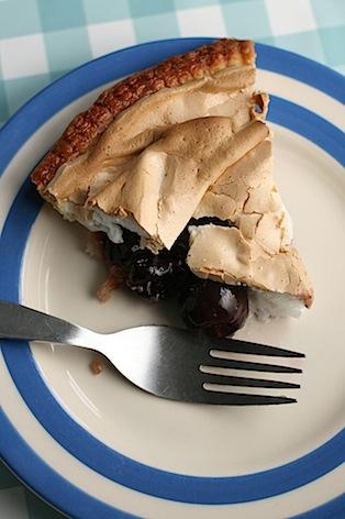 Cherry-meringue-pie - 09