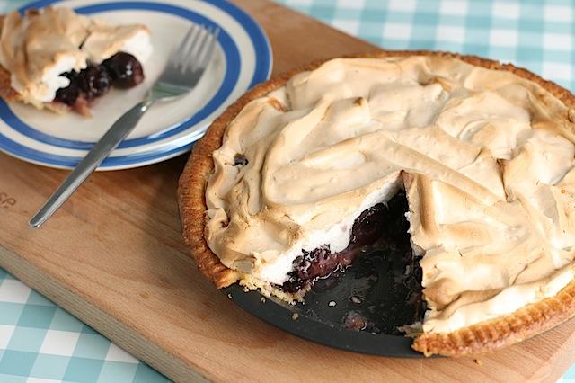 Cherry-meringue-pie - 07
