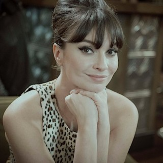 Your chance to serve Gizzi Erskine a hot idea (Samsung)