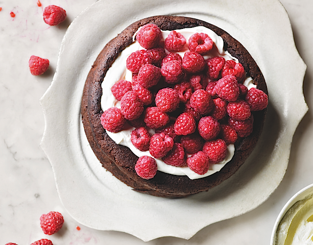 Flourless chocolate cake with raspberries