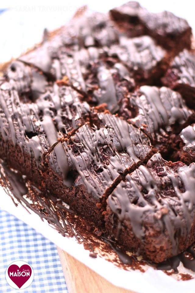 Chocolate cherry cake made with yogurt and no butter #traybakes #recipes #bakesales